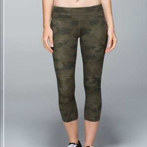 lululemon athletica Pants - Lululemon inspire crop II Luxtreme